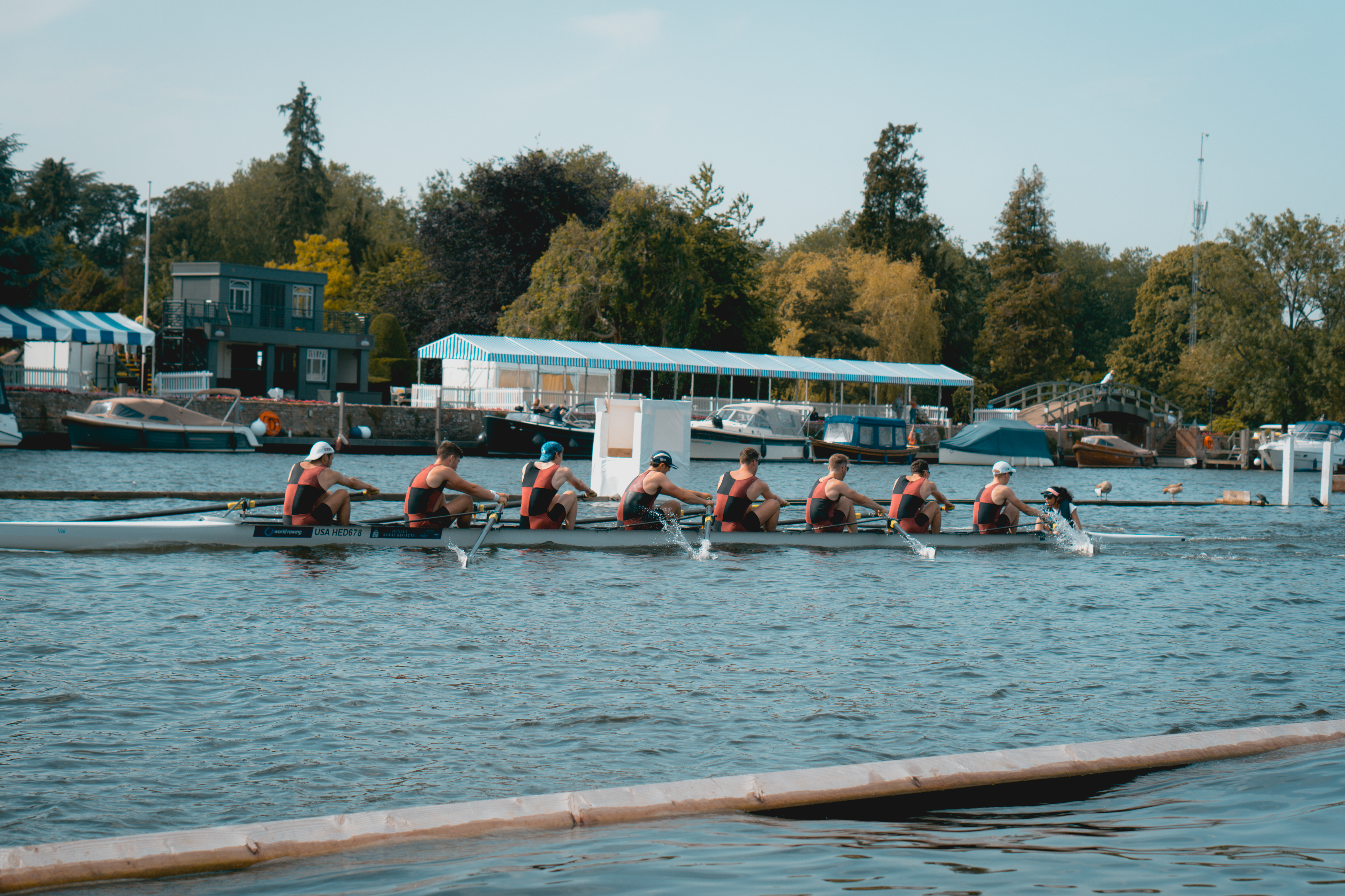 The last 150m of HRR Qualifers for the 2nd VIII (Photo by Dmitry Nazarenko)